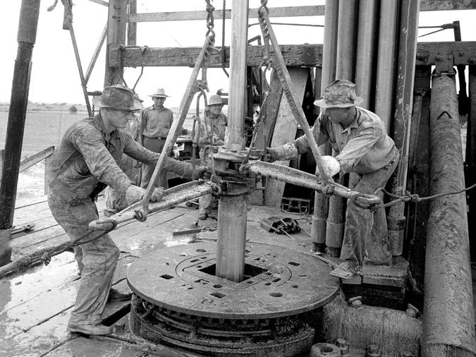 Working-the-Tongs-–-west-Texas-1930's