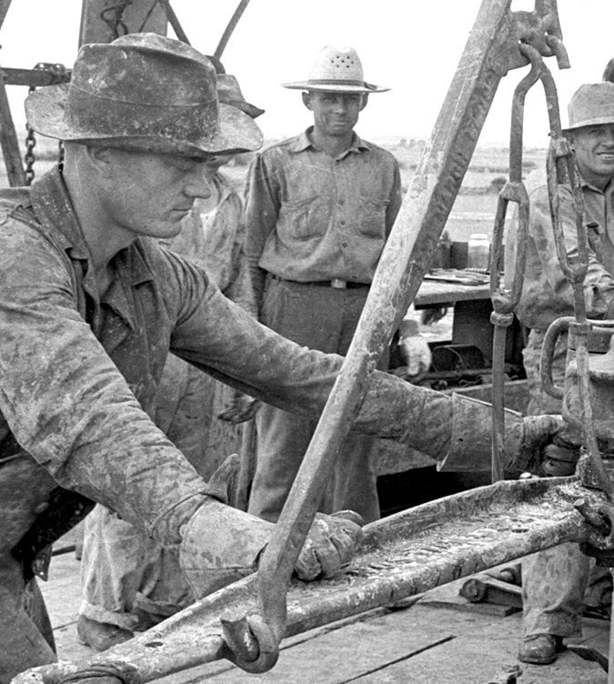 Working-the-Tongs-–-west-Texas-1930's_UPCLOSE1