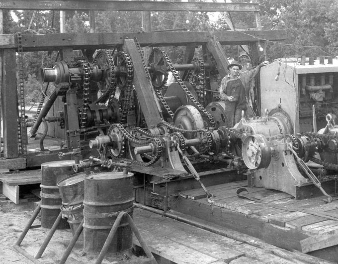 East-Texas-Gears-and-chains-1930s