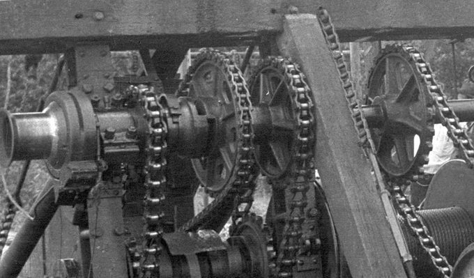 East-Texas-Gears-and-chains-1930s_UPCLOSE1