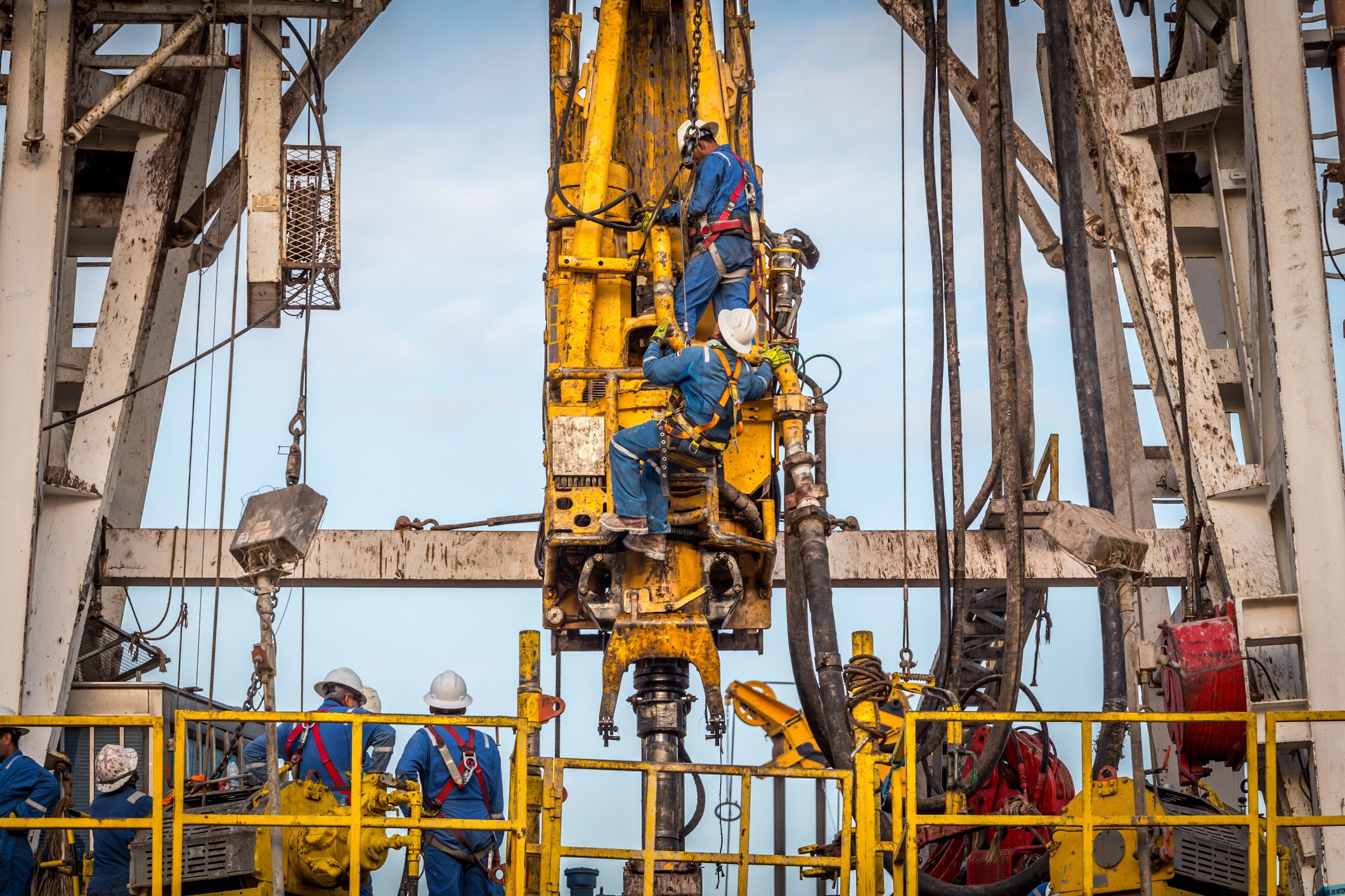 Fall Protection and Training in the Oil and Gas Industry