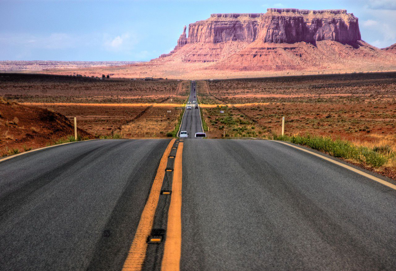 Oil on the Roads: Road Transportation and Use in the USA and Worldwide