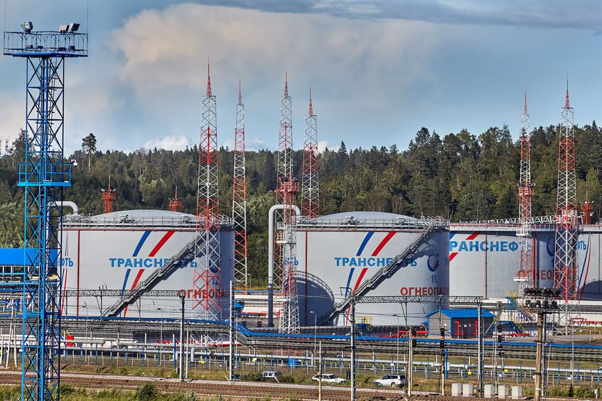 Russian oil and gas operators emerge on top despite the plummeting oil prices