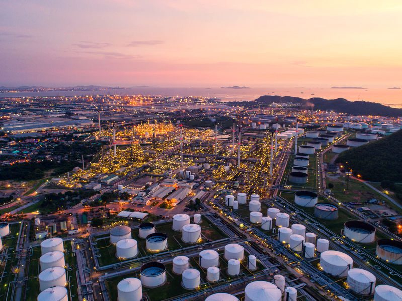 Crude production cuts in the US too slow to support the price as storage runs out by mid-May